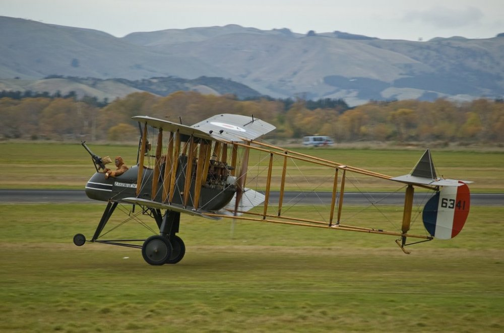 FE2B,_Masterton,_New_Zealand,_25_April_2009_04[1].jpg