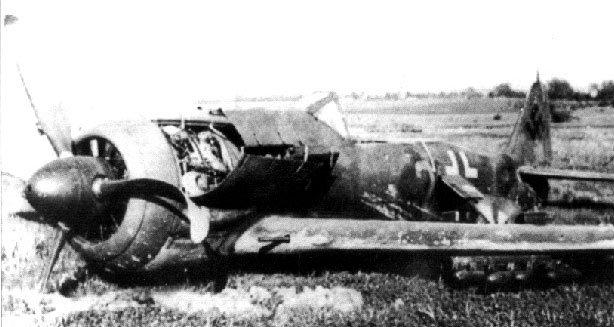 Focke-Wulf-Fw-190F8-9.SG77-Yellow-2-Chrudim-Czechoslovakia-1945-01.jpg.783bec254815821e87ab84e25aaeece2.jpg
