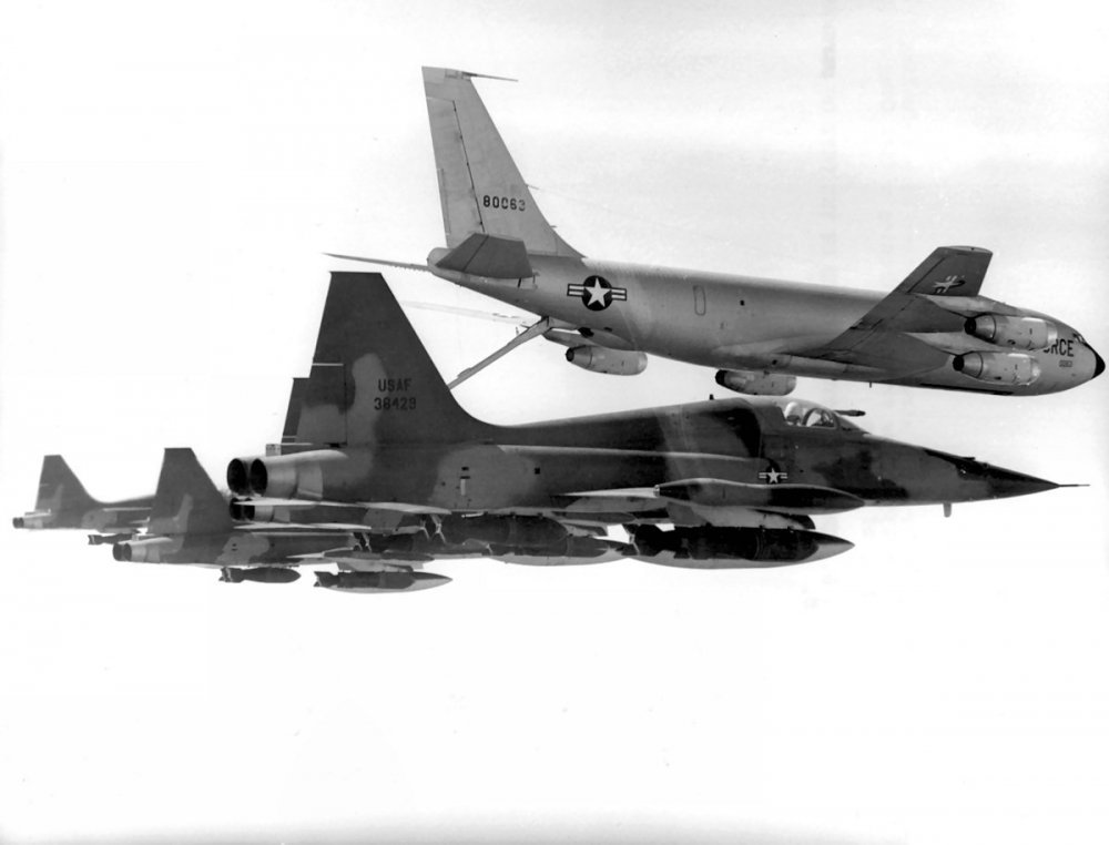 Northrop F-5C Skoshi Tiger (2).jpg