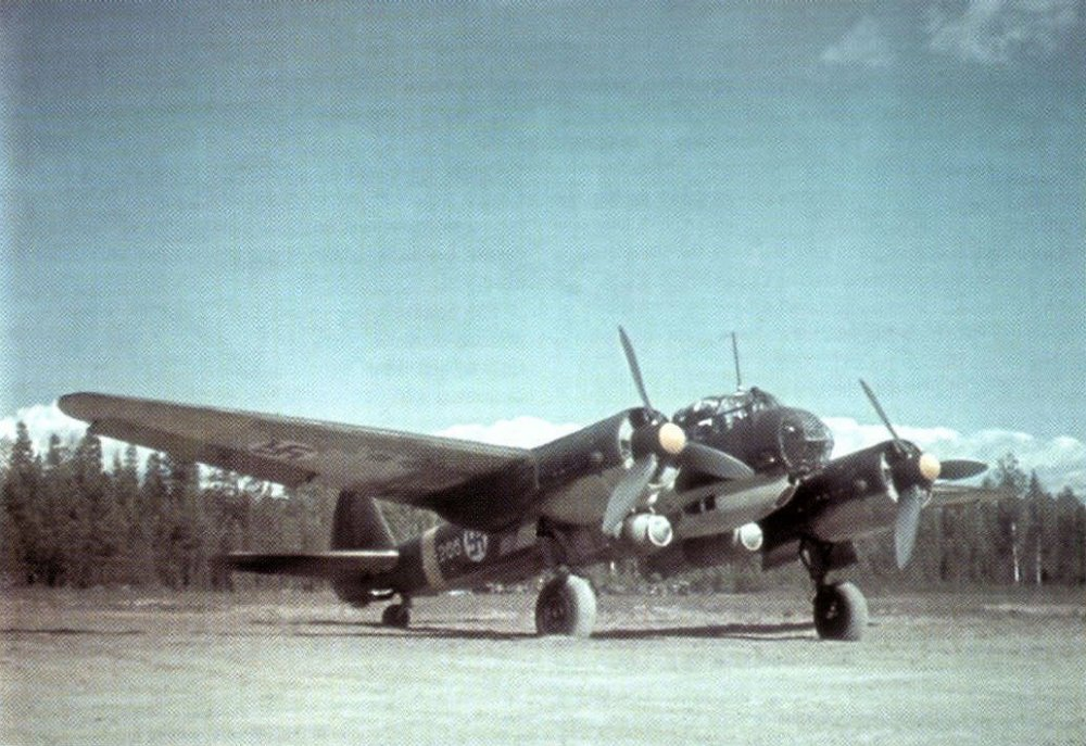 Color-photo-Junkers-Ju-88A-FAF-LeLv44-JK-256-Onttola-1944-01.jpg