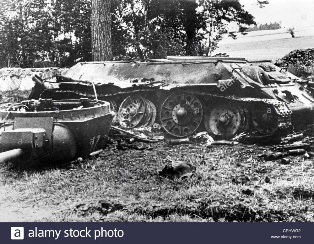 destroyed-russian-t-34-tank-1944-CPHWG2.thumb.jpg.e3000598b7984ab2ac89f1a715c8acd1.jpg