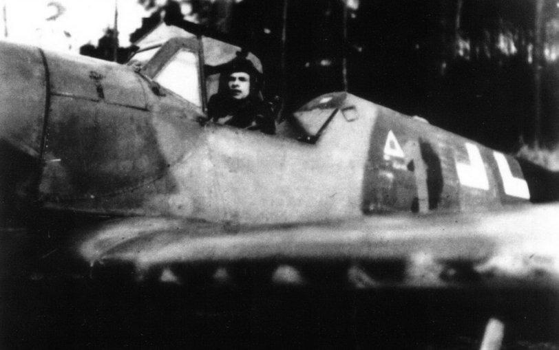 1-Bf-109K4-11.JG53-(Y1+)-Gunther-Landt-Germany-April-45.jpg