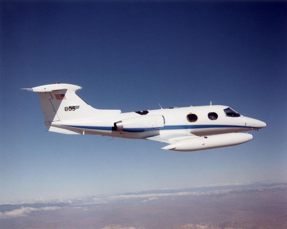 1280px-NASA_DFRC_Lear_24_in_flight.thumb.jpg.bba6edc71ff8fe6d4e6cecc40ae8fa19.jpg