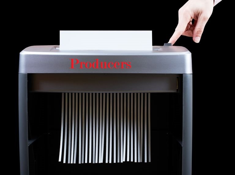 hand-operating-paper-shredder--104626001-59e139f622fa3a00109389ed.jpg