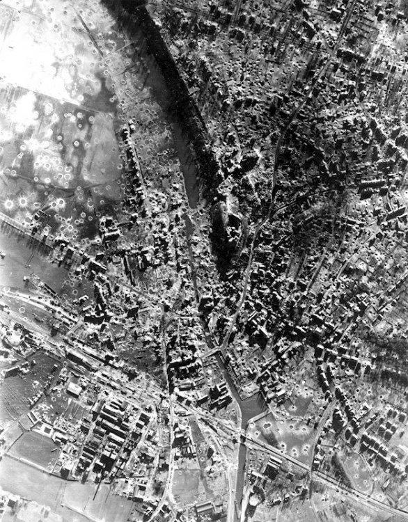 kleve1945-luchtopname-met-gevangenis.jpg