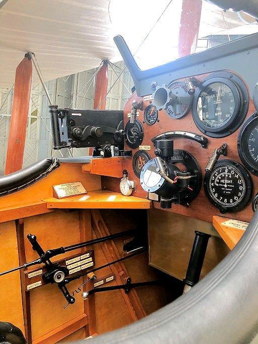 COPY DH.9, cockpit.jpg