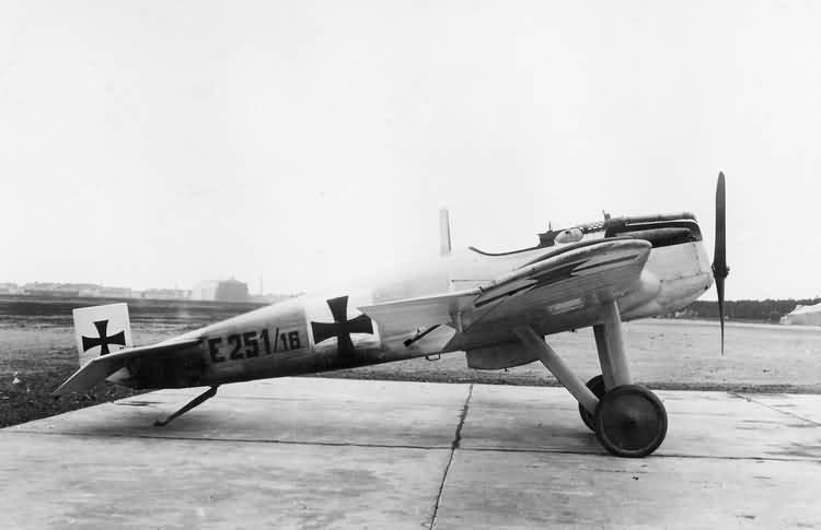 1955909067_JunkersJ2.jpg.31c3c465be72bfb816682bb204aa0b75.jpg