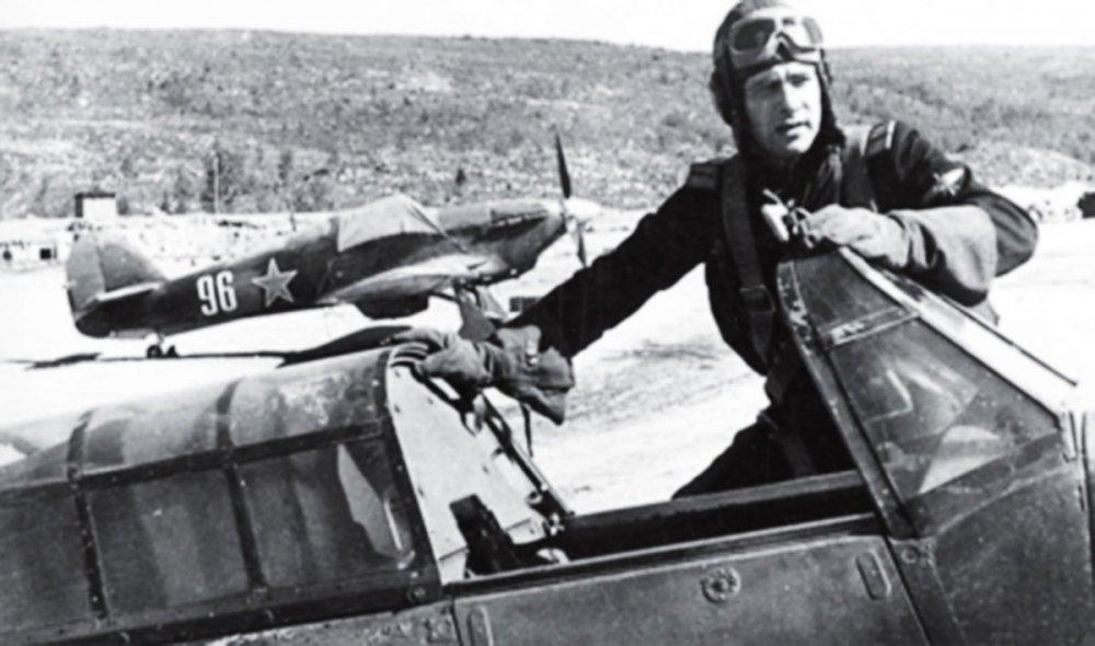 Hurricane-USSR-78IAP-Capt-Vasiliy-Adonkin-and-White-96-at-Pummanki-airfield-1943-01.thumb.jpg.adc71c4063a230e83bc3a01dac626b3c.jpg