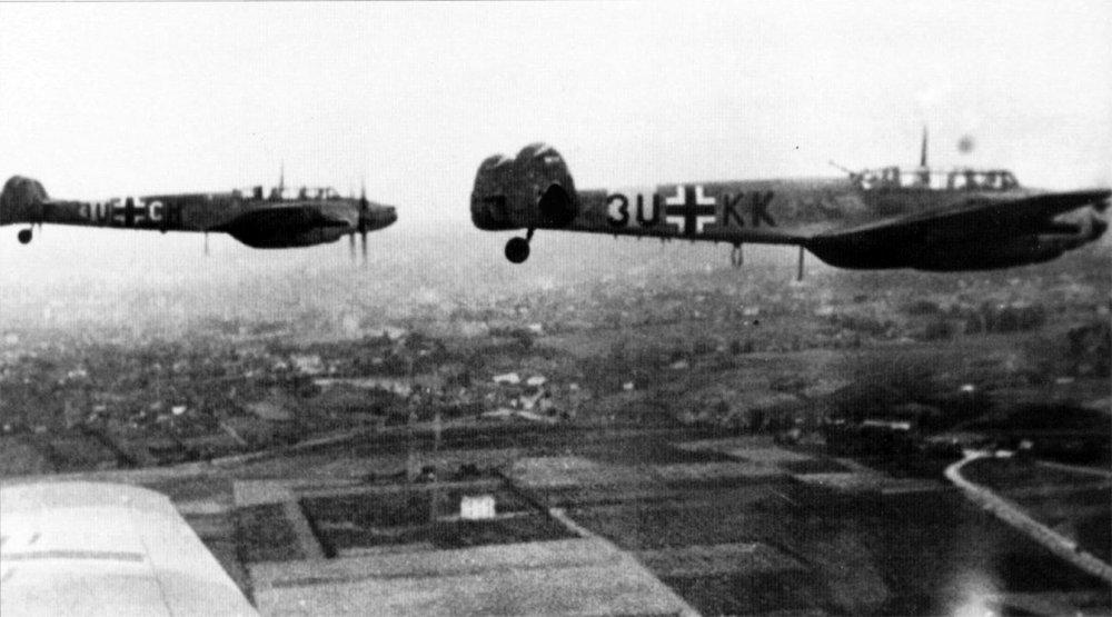 1647088577_Messerschmitt-Bf-110C-Zerstorer-2.ZG26-(3UKK)-Russia-1941-01.thumb.jpg.6a2747d627c91a27f73621281c8a545e.jpg