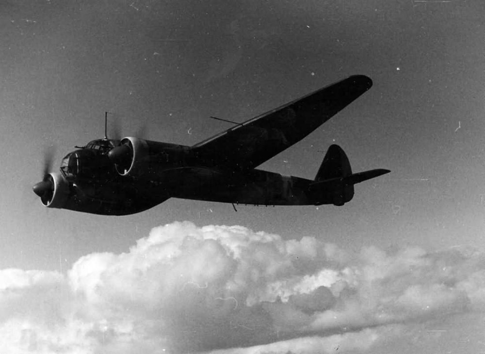 Junkers_Ju_88_in_flight.thumb.jpg.4793928749afdaa11ccedc3c603a4840.jpg