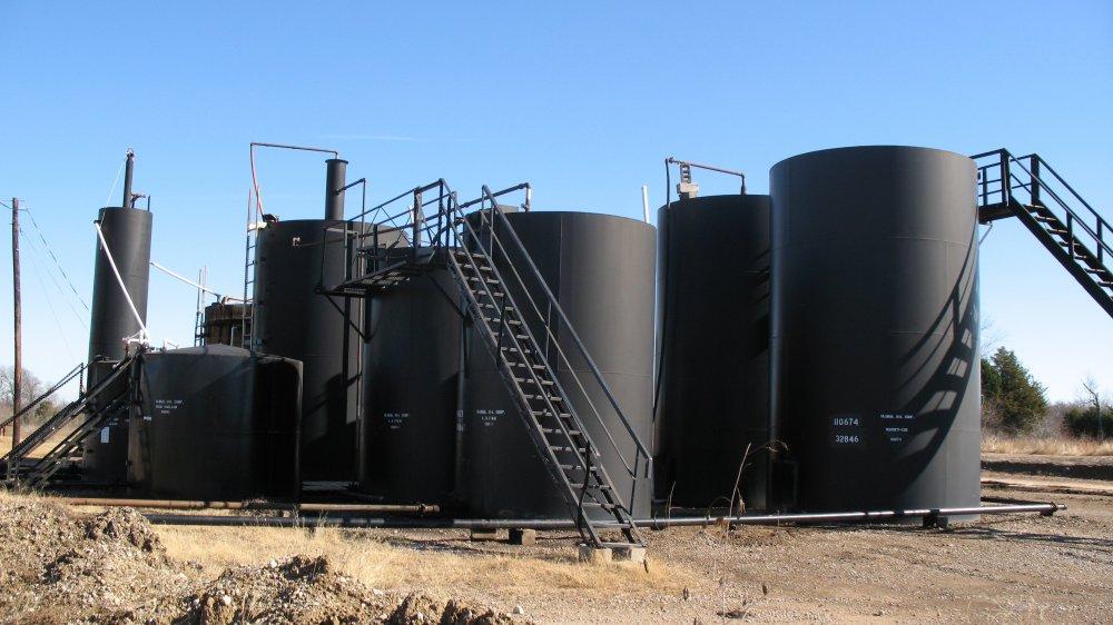 Oil-Storage-tanks.thumb.jpg.9036c6c4e6c61cebe9c7f2298ada052b.jpg