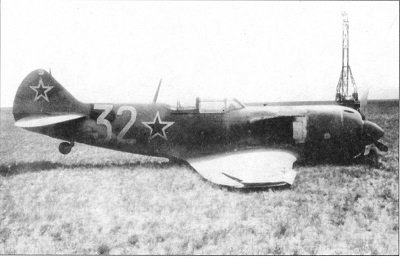 La-7, weisse 32, Notlandung, 1..jpg