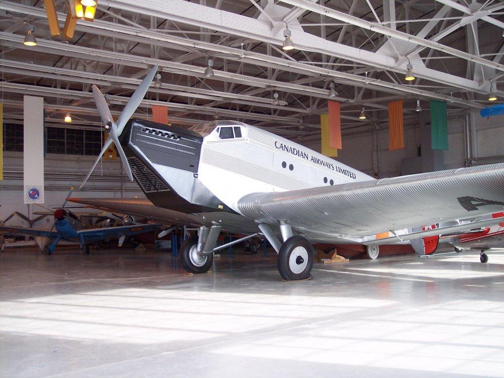 Junkers_Ju-52_single-engine.jpg