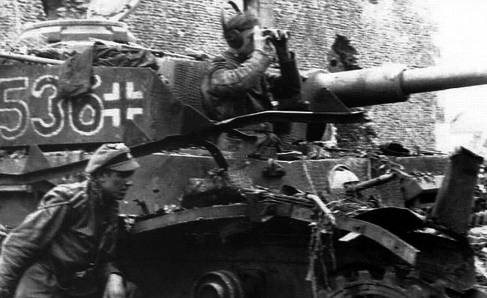 Stabswache de Euros SS-PzReg12 Hitlerjugend_Pz536.jpg