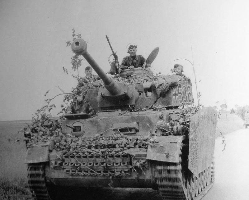 Pz.Kpfw IV SS-Pz.Div HitlerJugend_Pz536.jpg