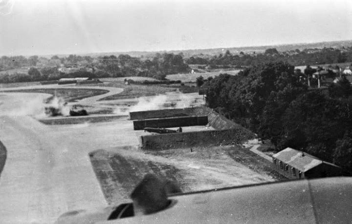 1948621247_RAFKenlyfromGermanbomber18August1940.jpg.b80fc0c394843f790c8e4de210386359.jpg