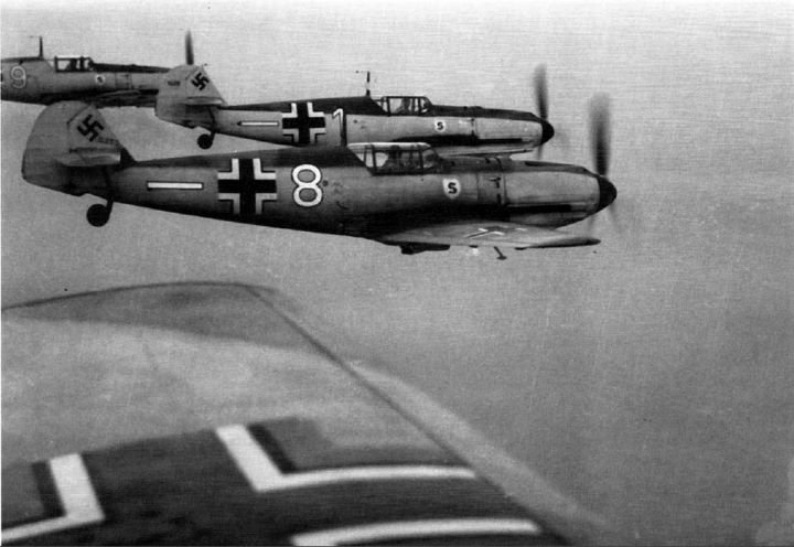 1466407733_Bf-109EsofJG26.jpg.51e4730d76b2aab31e2e24ef898d03d1.jpg