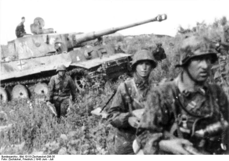 1721366599_20111011003350!Bundesarchiv_Bild_101III-Zschaeckel-206-35_Schlacht_um_Kursk_Panzer_VI_(Tiger_I).jpg.eb3d834569baa4f29fcbc9c0b2482115.jpg