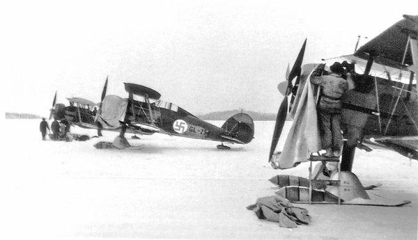 Gloster Gladiator Suomi winter.jpg