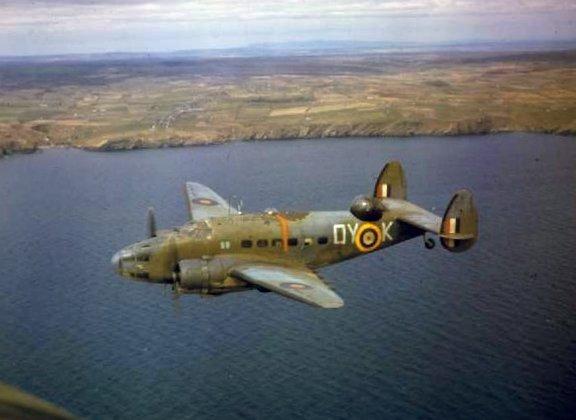 Hudson_V_48_Sqn_RAF_in_flight_1942.jpg.f60ebf89f706813cfc42459294c33243.jpg
