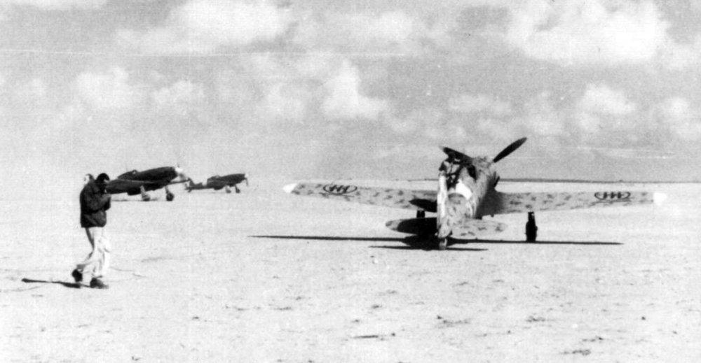 RA-Macchi-C.202-Folgore-3S23G75SA-North-Africa-1942-01.thumb.jpg.ae06217b42a2ff65dd422d6fe370c508.jpg