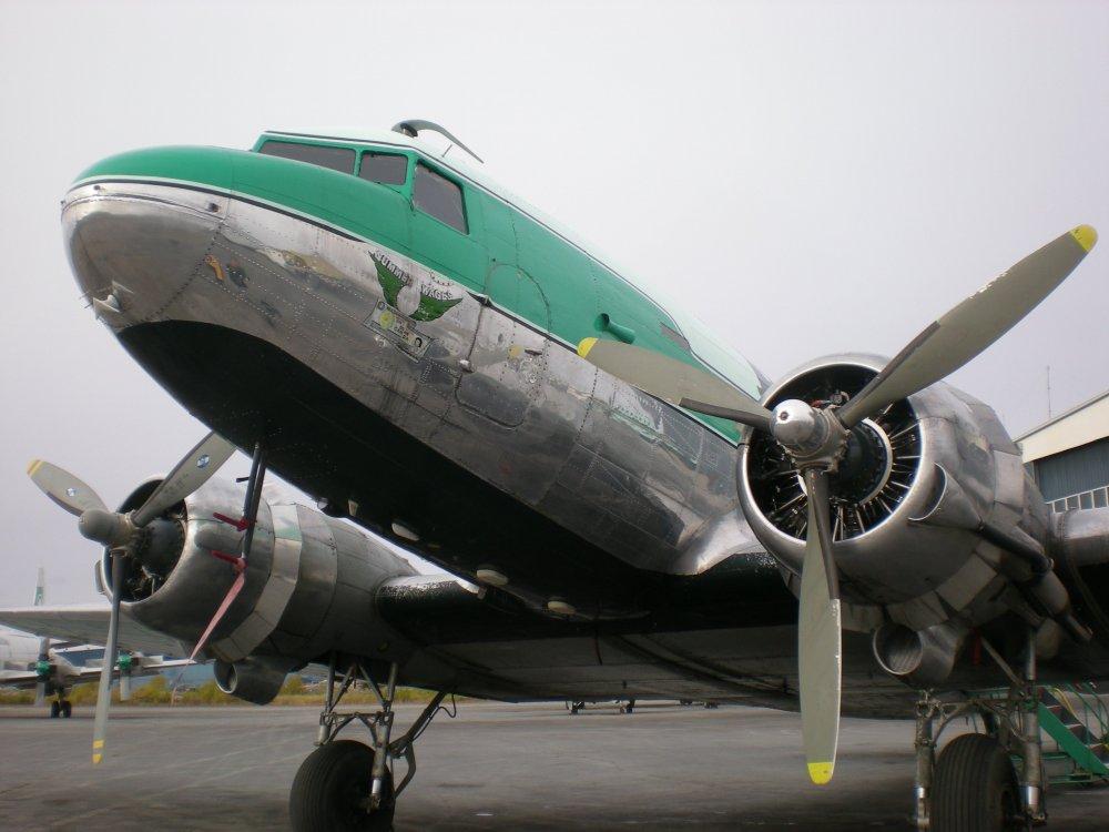 Buffalo_Airways_DC3_GPNR_nose.jpg