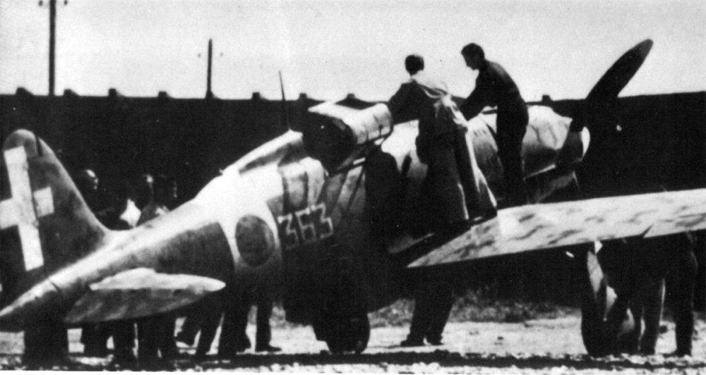 RA-Macchi-C.202-53S150G363SA-Benghazi-Libya-1942-01.thumb.jpg.918b4503a327f0ee338b37e6f2a2ad5a.jpg