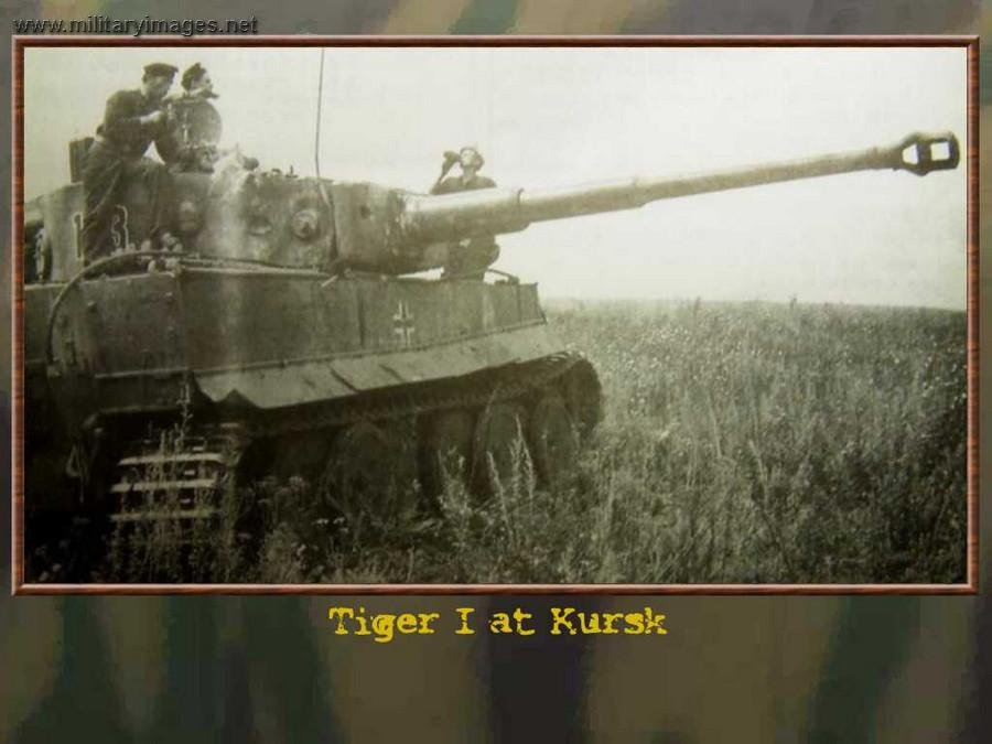 pz6_Tiger_123_sPzAbt_503_resupplied_Kursk43_gun_points_in_the_direction_of_the_enemy.jpg.e2df125d89b6648b8b3399f6b97400f4.jpg