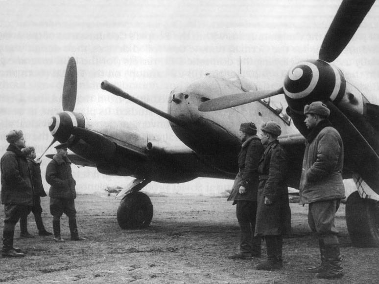Me410B2-Captured-East-Prussia-1945-34.jpg.be2caa4f9acf942c895d6d8f6cf82bde.jpg