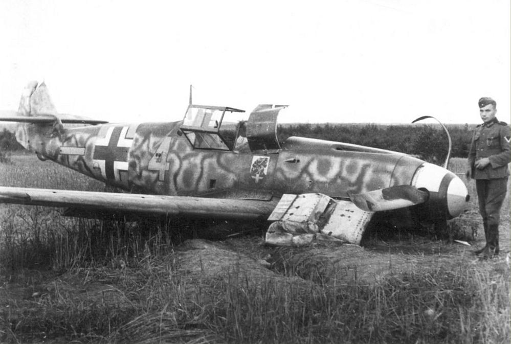 1213699226_hp11Messerschmitt-Bf-109F2-6.JG54-Yellow-4-Hans-Beisswenger-WNr-9538-Wereten-Russia-16th-Jul-1941.jpg.3ee462ae009cf835eba25855c68b86af.jpg