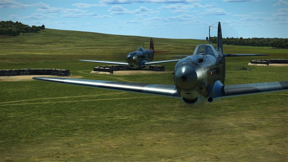 Yak-1b low level 2.jpg