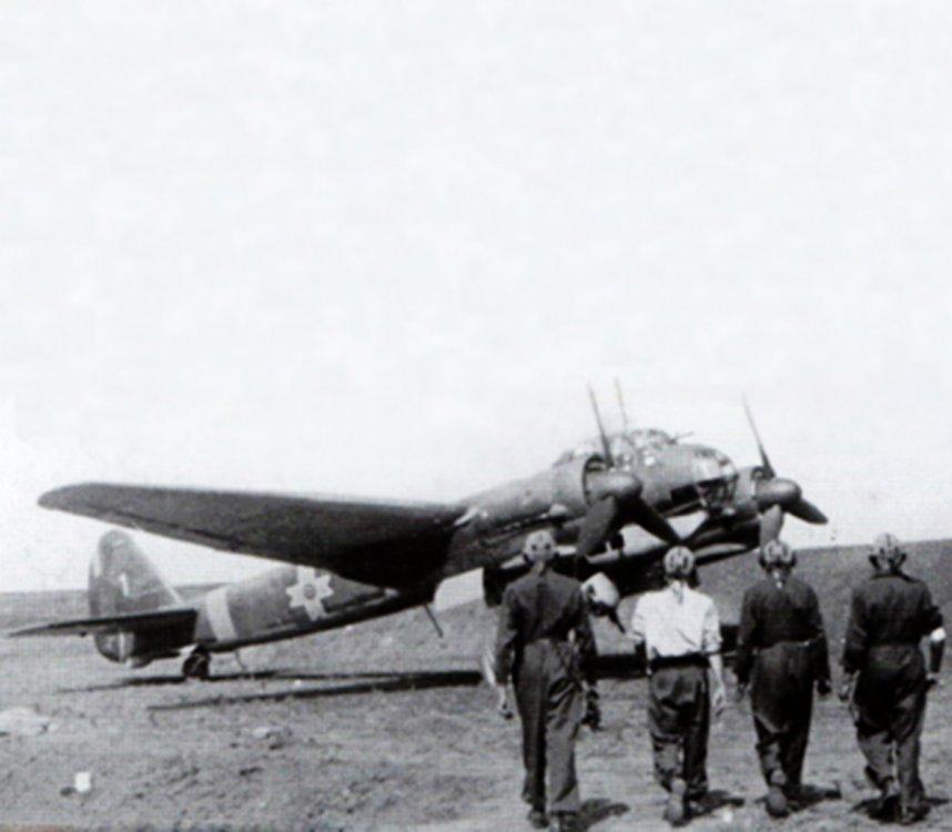 Junkers-Ju-88D1-RRAF-2-Long-Range-Recon-Sqn-1-WNr-430650-Russia-June-1943-01.jpg